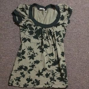 ⭐️ NWOT Forever 21 Green Leaf Print Tee Small S